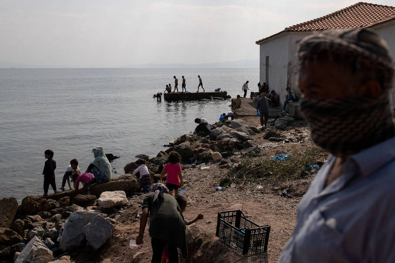 Socorro alemão a refugiados da ilha de Lesbos reabre debate sobre imigração na Europa