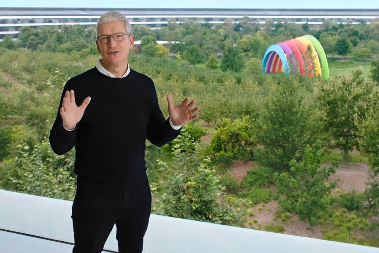 Tim Cook, presidente-executivo da Apple, na sede de Cupertino, na Califórnia; foi a primeira vez em quase dez anos que o evento não teve plateia