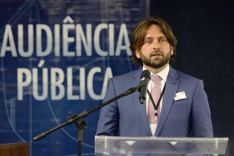 Assessor demitido por andar de avião e recontratado agora disputa programa de parcerias com Paulo Guedes