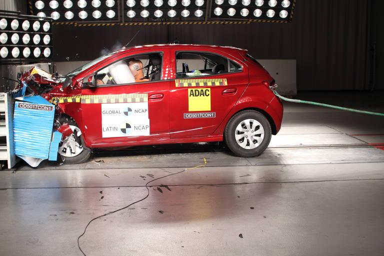 Chevrolet Onix passa por novo crash test promovido pelo Latin NCAP