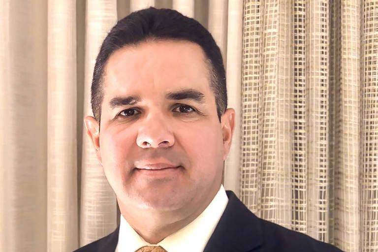 Retrato do promotor Peterson Almeida Barbosa, 47, autor de 'Abuso do Poder Religioso nas Eleições'