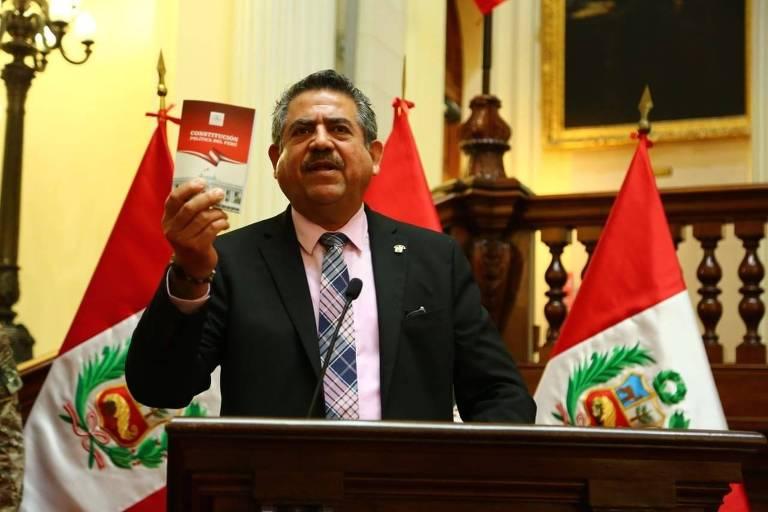 O líder do Congresso do Peru e próximo na linha de sucessão, Manuel Merino
