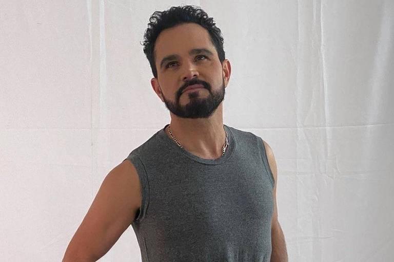 Luciano Camargo, cantor