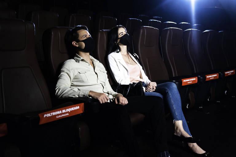 A orientação da Cinemark é de manter o distanciamento e usar máscaras em todos os ambientes