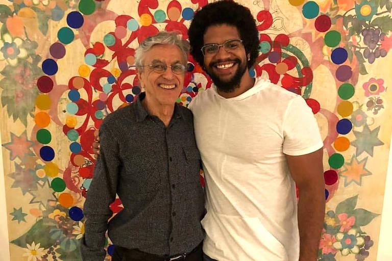 Jones Manoel  e Caetano Veloso na União da Juventude Comunista