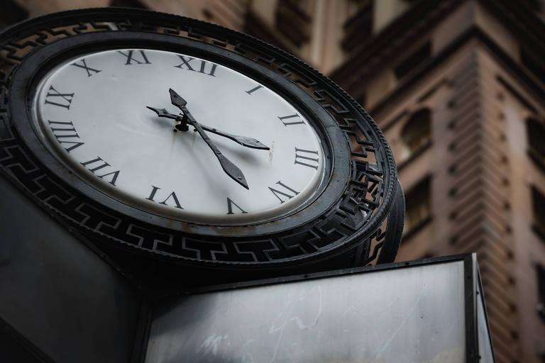 Relógio na praça Antonio Prado, no centro de São Paulo