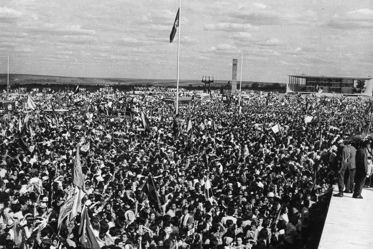 A Copa de 1970 uniu o Brasil de um jeito que nem o milagre econômico conseguiu, atendendo aos objetivos da ditadura militar