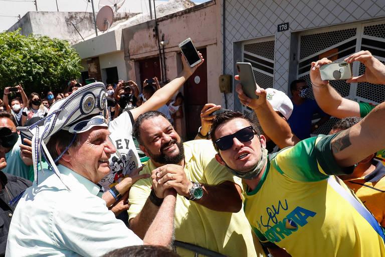 Bolsonaro lota voo para Nordeste, apesar de novos casos de Covid entre autoridades