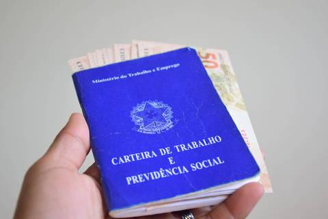 Olinda (PE), 11.09.2020 - Reducao de pedidos de seguro desemprego em agosto - Pedidos de seguro desemprego somam 463,8 mil em agosto, uma reducao de 18,7%, segundo dados divulgados do Ministerio da Economia. (Foto: Lidianne Andrade/MyPhoto Press/Folhapress) ***PARCEIRO FOLHAPRESS - FOTO COM CUSTO EXTRA E CRÉDITOS OBRIGATÓRIOS***