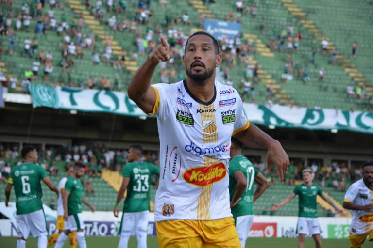 O zagueiro Bruno Aguiar tenta melhorar a defesa do  Novorizontino para se dar bem na Série D do Nacional