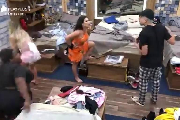 Jojo interrompe discussão entre Raíssa e Lucas; Carol Narizinho surta durante briga