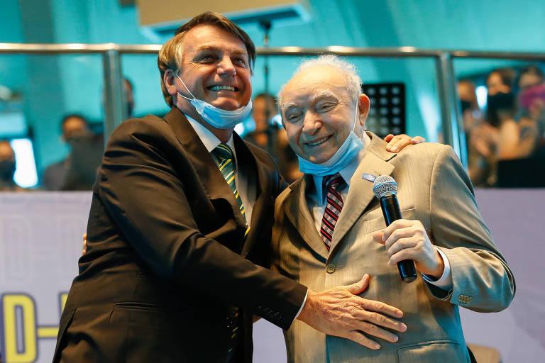 Presidente Jair Bolsonaro participa, neste sábado (19), de evento da igreja Assembleia de Deus, ao lado do bispo Manoel Ferreira