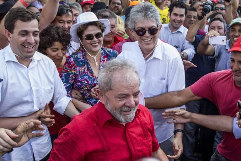 Ricardo Coutinho (de óculos escuros) com Lula e Dilma Rousseff durante a caravana do petista na Paraíba, em 2017