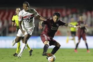 Soccer - Copa Libertadores - Sao Paulo v River Plate