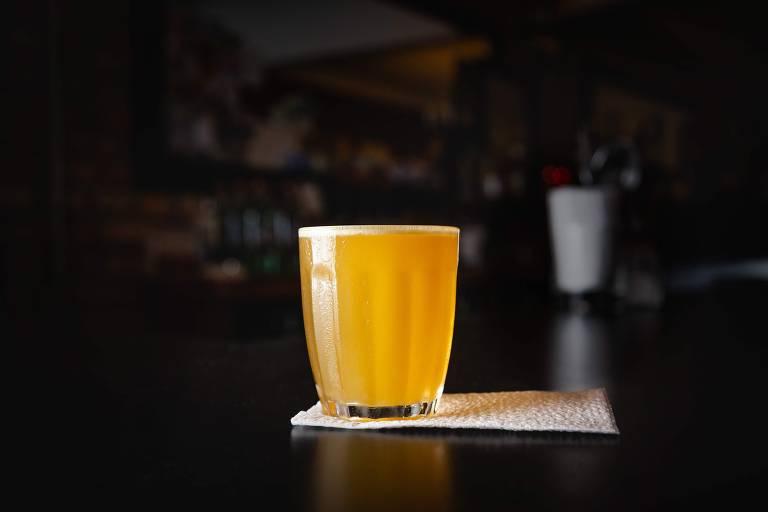 O drinque Macunaíma, servido pelo Boca de Ouro