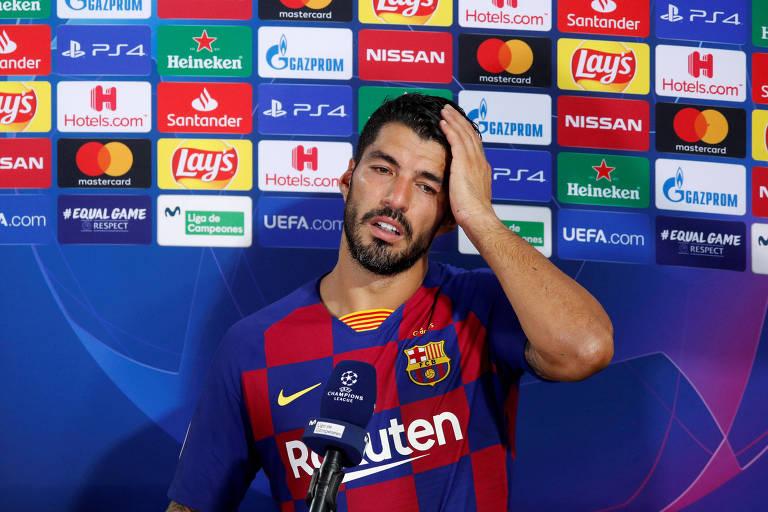 O atacante Luis Suárez, do Barcelona, concede entrevista, em imagem de arquivo