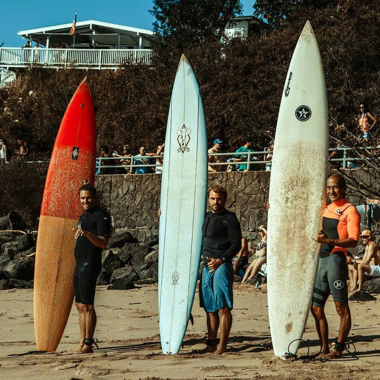 Surfista no Havaí perde a prancha e a encontra dois anos depois nas Filipinas