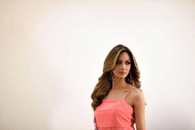 Candidata a Miss Venezuela se prepara para enfrentar os juízes
