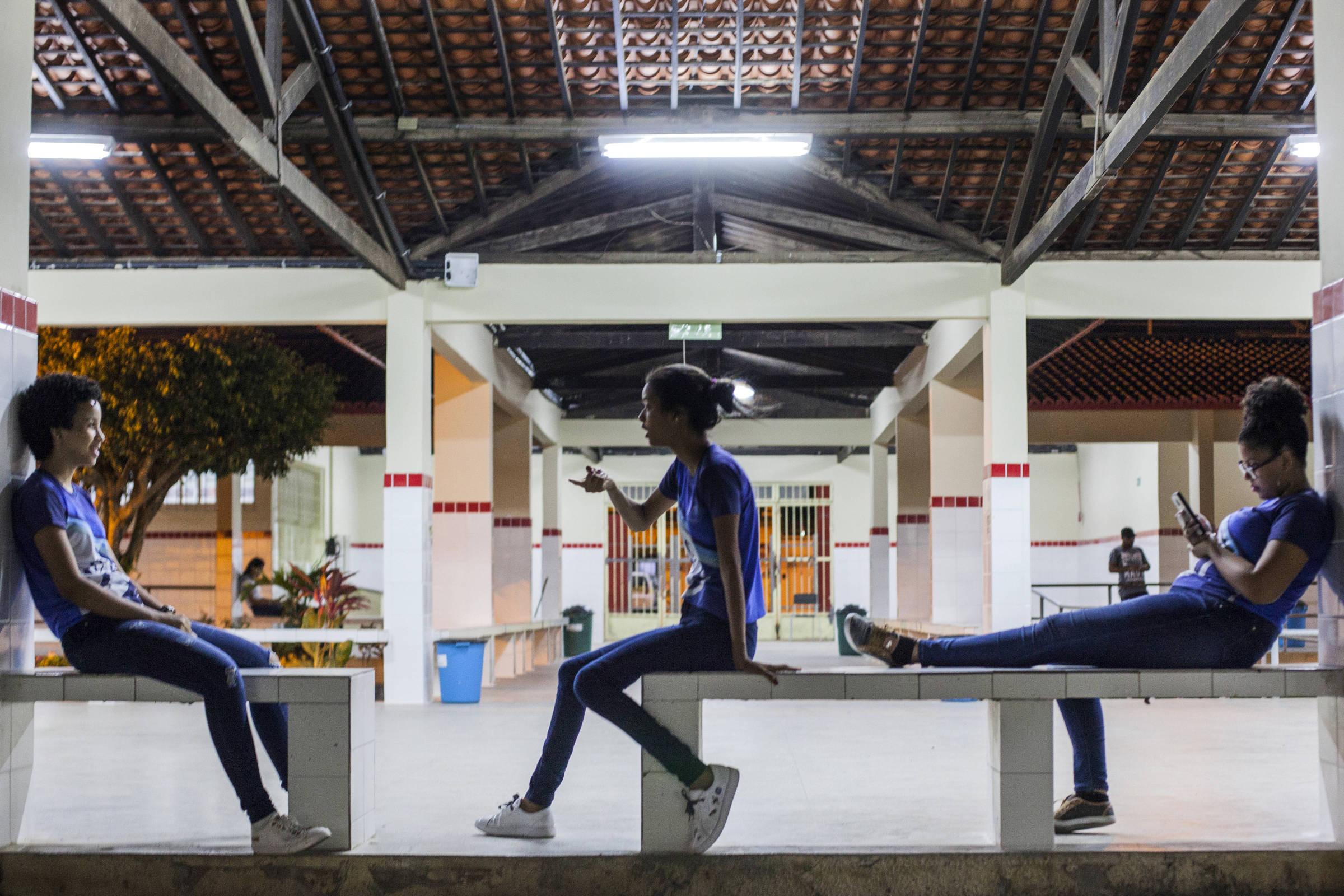 Documentário faz retrato afetivo de escola pública na preparação para o Enem