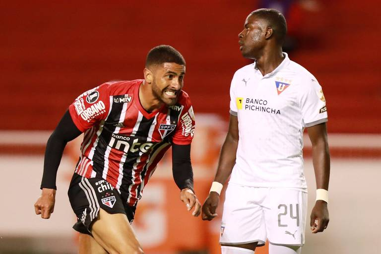 Tréllez, que não jogava desde março, anotou o segundo do São Paulo