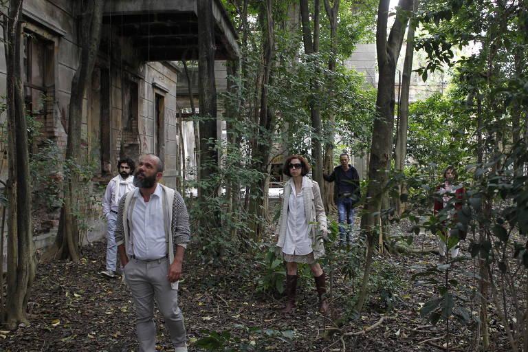 Grupo XIX apresenta a peça 'Teorema 21' nos escombros da Vila Maria Zélia