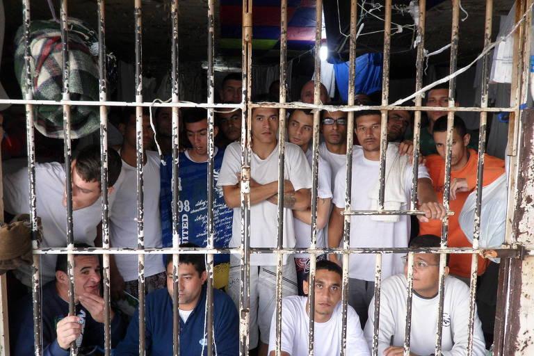 Presos no Centro de Detenção Provisória (CDP) de Santo André (SP)