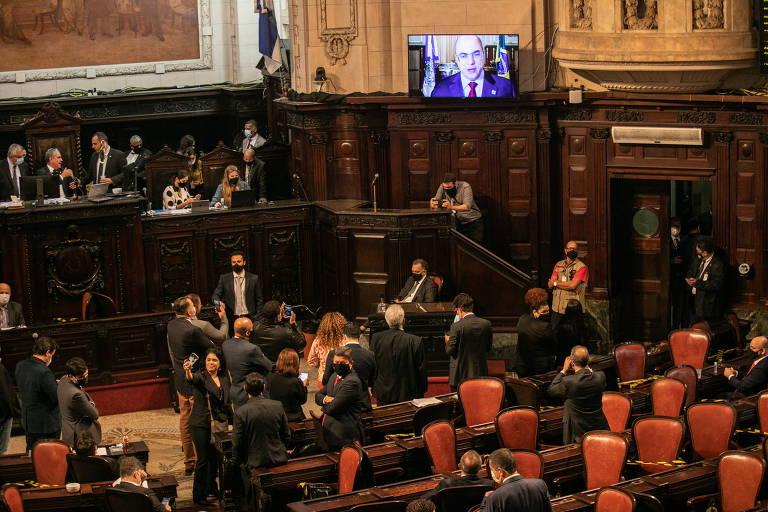 O governador afastado do Rio de Janeiro, Wilson Witzel, discursa em videoconferência para os deputados da Assembleia Legislativa, que aprovaram o prosseguimento do impeachment contra ele