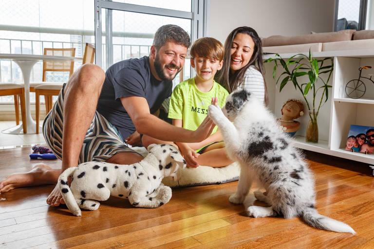Famílias adquirem pets na quarentena e deixam os filhos mais felizes no Dia da Criança