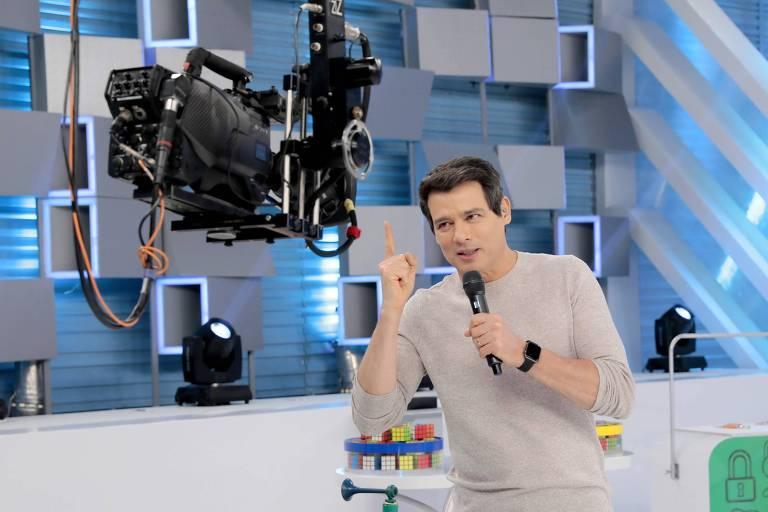 O Domingo Legal apresentador por Celso Portiolli voltará a ser ao vivo neste domingo (27)