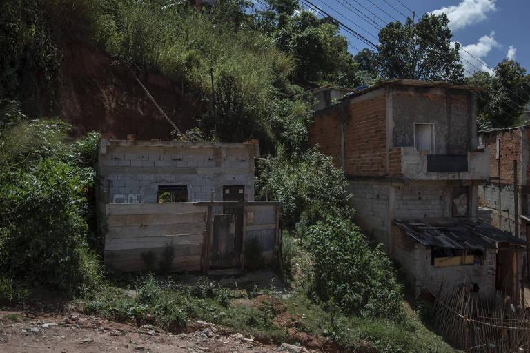 Francisco Morato sofre com moradias em locais de risco