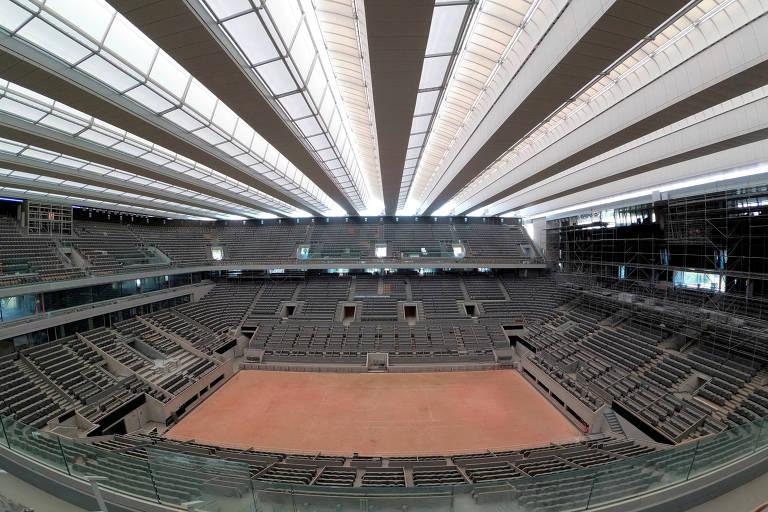 A quadra principal de Roland Garros, Philippe-Chatrier, agora conta com teto retrátil