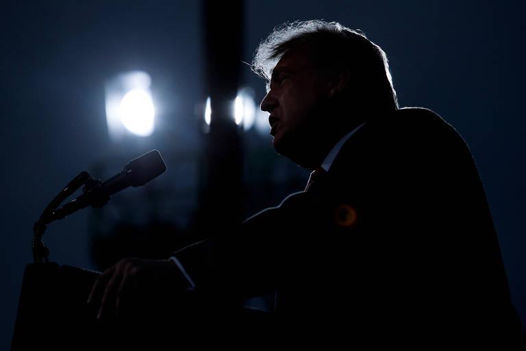 O presidente dos EUA, Donald Trump, durante evento de campanha em Fayetteville, na Carolina do Norte
