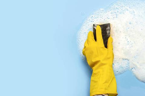 Aprenda a fazer produtos de limpeza naturais