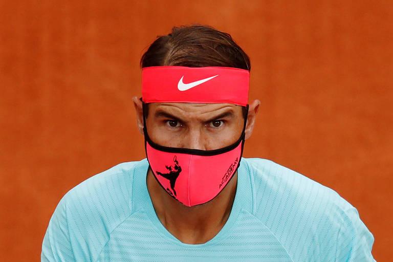 Rafael Nadal de máscara
