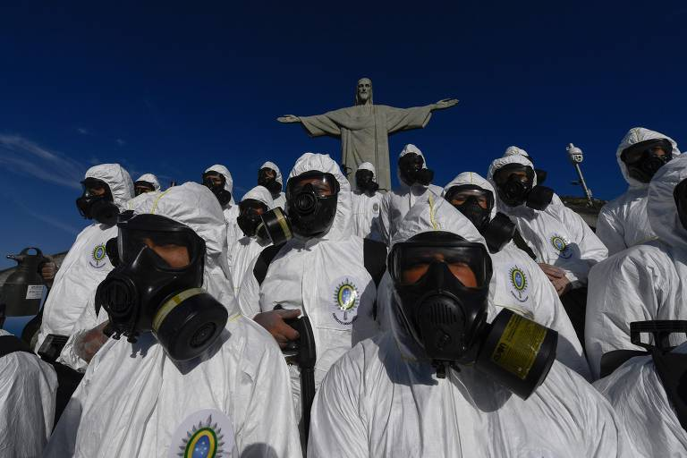 Em 13 de agosto de 2020 soldados das Forças Armadas Brasileiras participaram da desinfecção da estátua do Cristo Redentor no morro do Corcovado antes da reabertura do ponto turístico em 15 de agosto, em meio pandemia de coronavírus
