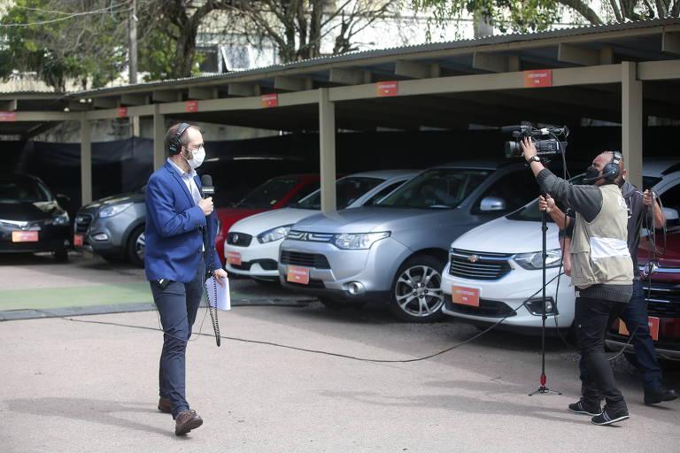 Candidatos à prefeitura de Porto Alegre em debate em drive-in