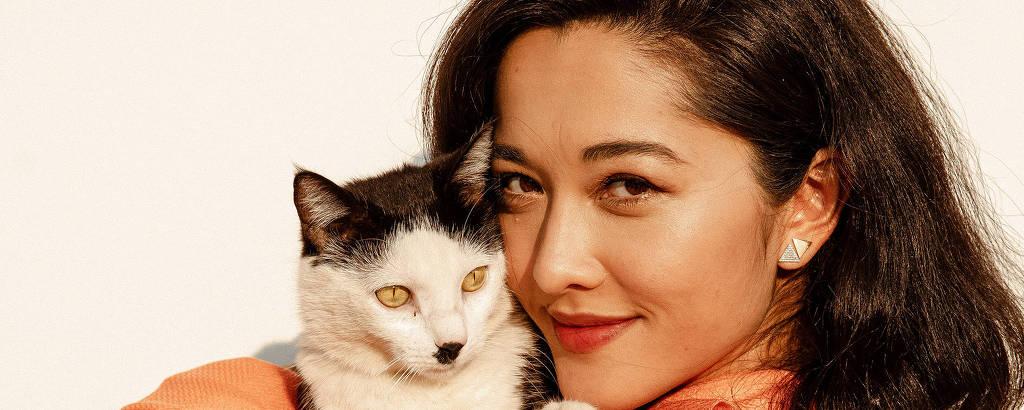 Jacqueline Sato apresenta Encantadores de Pets, na Band