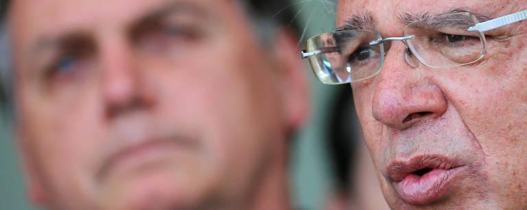Ministro da Economia fala à imprensa no Palácio do Alvorada junto do presidente Jair Bolsonaro