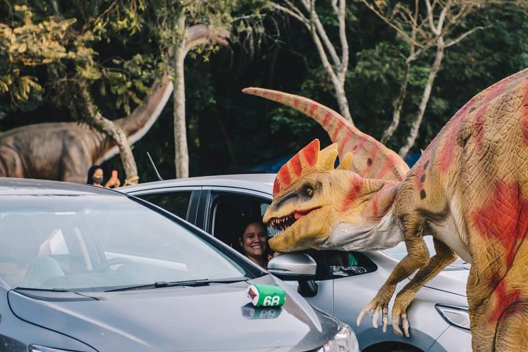 Parque Burle Marx recebe atração com dinossauros