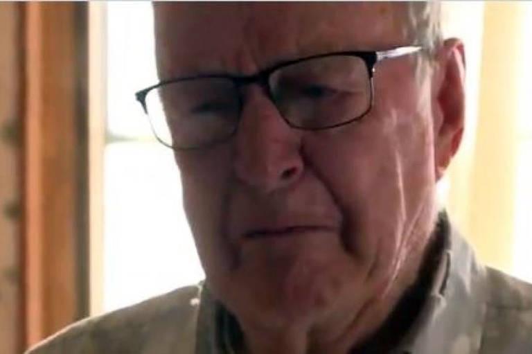 """Derlin Newey um entregador de pizza, de 89 anos, recebeu uma """"gorjeta"""" que o deixou boquiaberto: US$ 12.069 (cerca de R$ 68 mil)"""