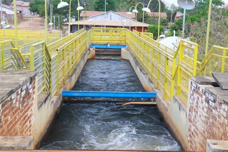 Estação de tratamento de esgoto em Palmas, onde muitas casas usam fossas