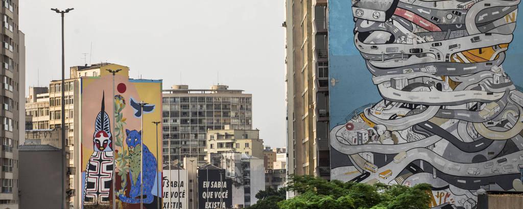 Em primeiro plano, o 'Homem Urbano', de Tec; no fundo, a obra 'Pindorama', de Rimon