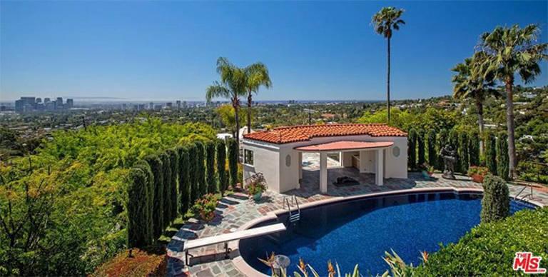 LeBron James compra mansão por R$ 206 milhões em Beverly Hills