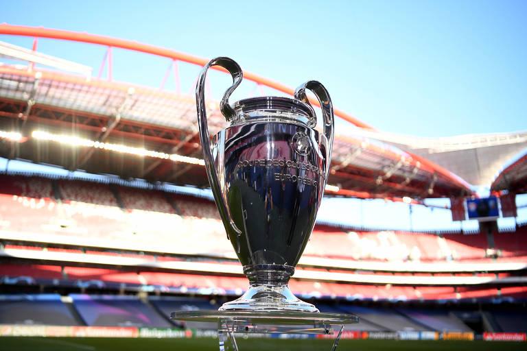 A taça da Champions League, exibida no Estádio da Luz antes da última final, em Lisboa