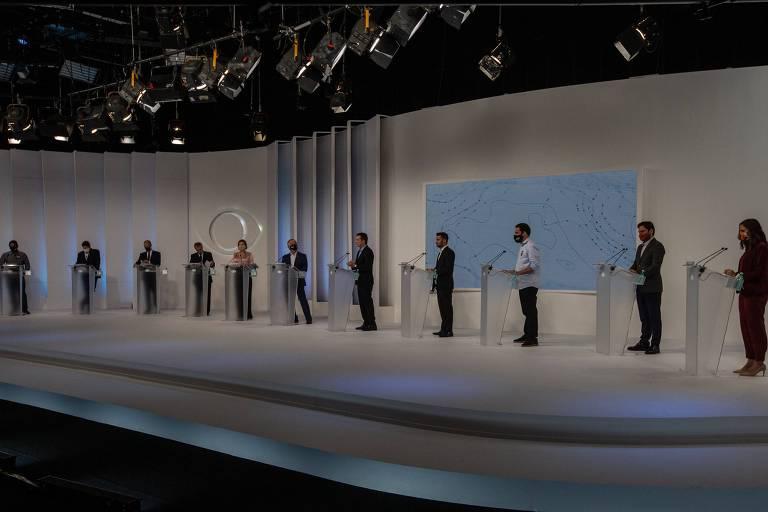 Candidatos reunidos no primeiro debate, na TV Bandeirantes, no início do mês