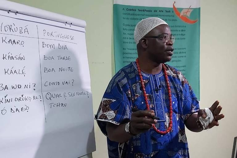 Gravação da oficina de iorubá com o nigeriano Prince Adewale Adefioye Adimula