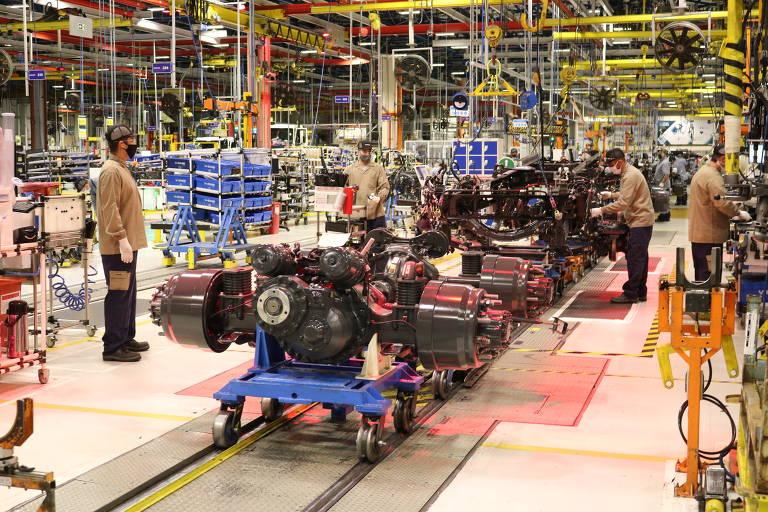 Linha de fabricação da Volvo Caminhões