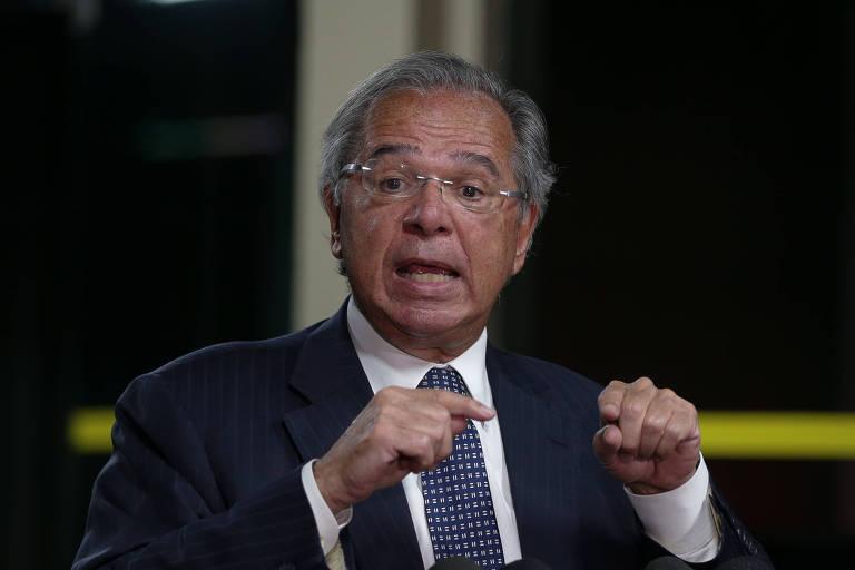Ministro da Economia, Paulo Guedes, em entrevista com jornalistas