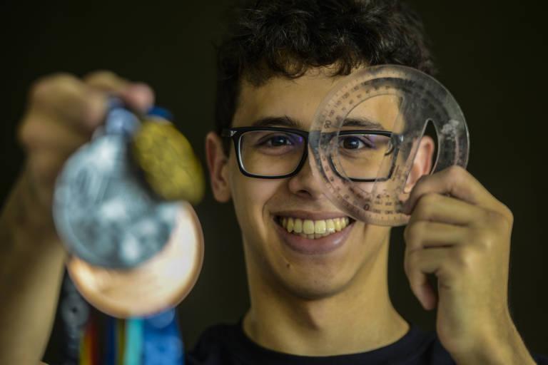 Pedro Gomes Cabral, que ganhou medalha de ouro na Olimpíada de Matemática de 2020