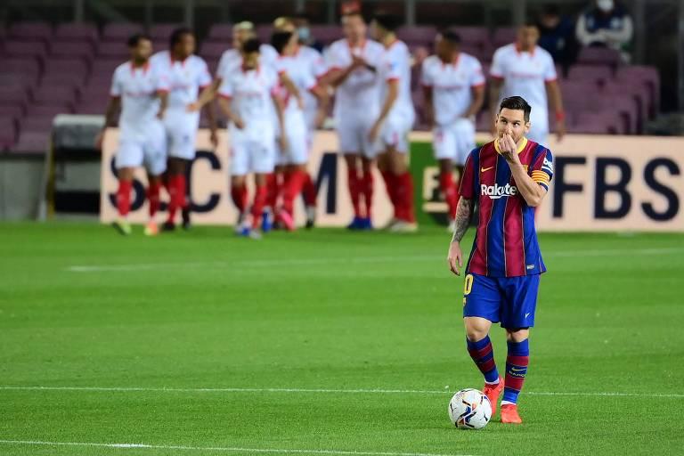 Lionel Messi após o Barcelona levar um gol do Sevilla no jogo do último final de semana, válido pelo Campeonato Espanhol. O confronto terminou empatado em 1 a 1